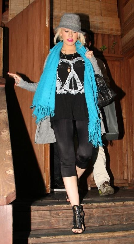 Leaving_Villa_Nightclub_In_Hollywood__May_29__2008