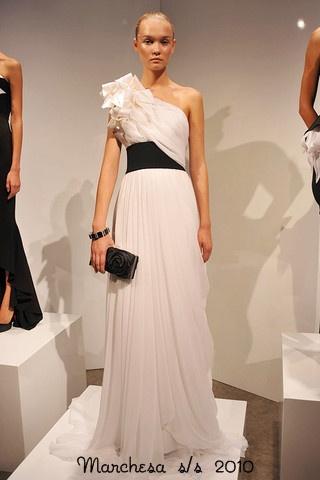 Marchesa-Podium-spring-fashion-2010-012_runway