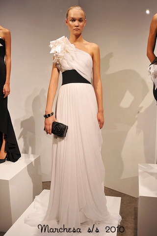 Marchesa-Podium-spring-fashion-2010-012_runway