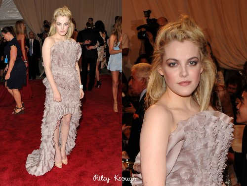 riley keough short hair. Riley Keough, former face of