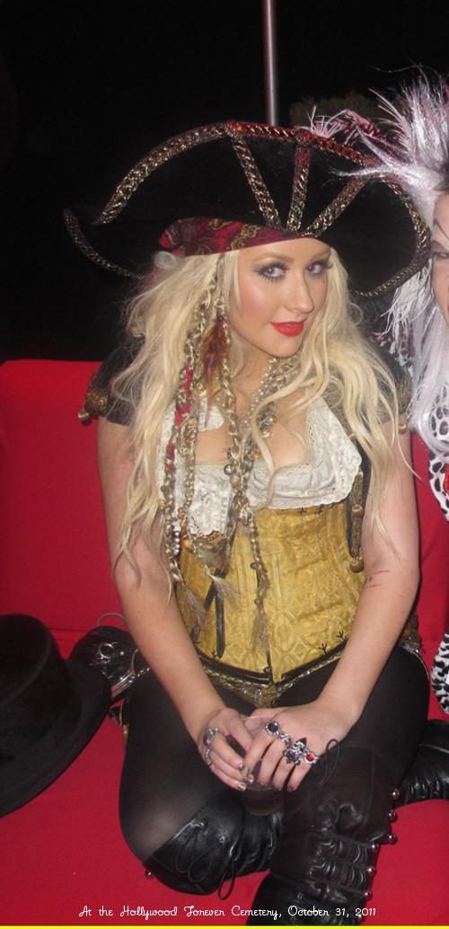 later that night christina - Christina Aguilera Halloween