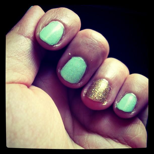 glitter nail polish | Dallo Spazio